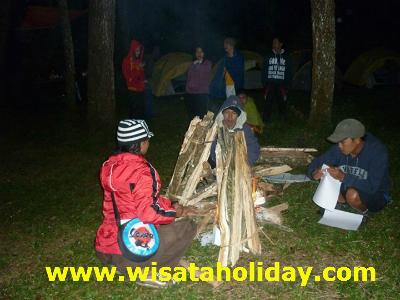 api unggun coban rondo